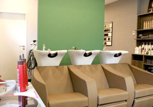 Ihr Friseur-Salon Guthy in Oettingen.